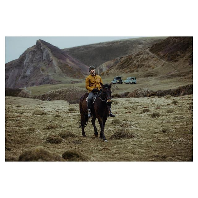 The iconic Mustard Bexley Jacket. 'The Getaway' Life was meant for good friends and great adventures.... Shot on location in Exmoor National Park and the North Devon Coast. They got up to all sorts and we can't wait to share it with you! Blog post coming soon 👀 . . . Shot by @chris.boulton.photo  Film by @coppertreemedia  Models: @njp147 @glen_power @owainjones_ Boots by @blundstoneusa . . . . . #exmoornationalpark #menswear #mensblog #fashionblog #mensfashion #mansweekend #classicman #adventure #beach #explore #devon #coast #horsesofinstagram #countryside #countryattire #countryclothing #waxjacket #britishmade #fashionblog #photoshoot #equestrian #landscape #horseriding #horsetrekking #rugged #heritagefashion #madeinengland #hiking #camping #adventure