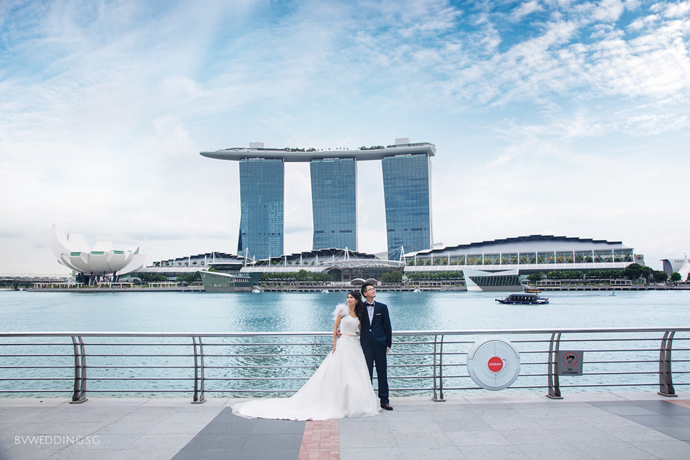 pre-wedding photoshoot at marina bay sands