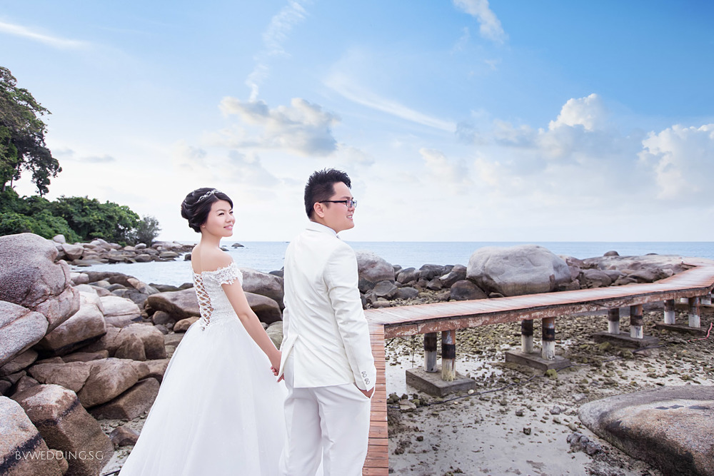 Pre-wedding photoshoot at Bintan Island Beach
