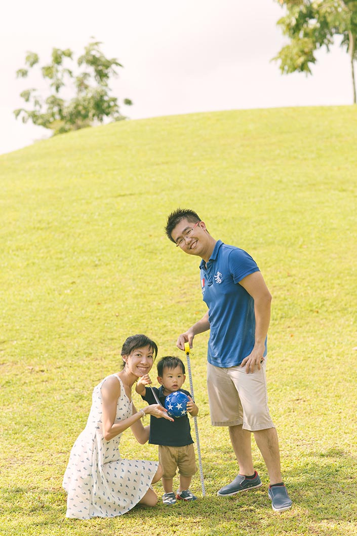 Outdoor_Family_Photoshoot_at_Punggol_Waterway_028.jpg