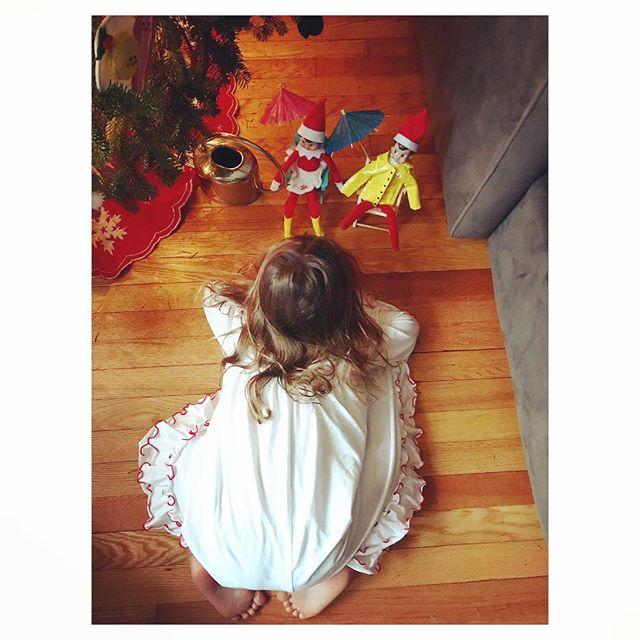 CHRISTMAS MAGIC 🎄 . . @elfontheshelf #elfontheshelf #tinygala #winniejames #nutcracker #christmas #christmastree #magical #children