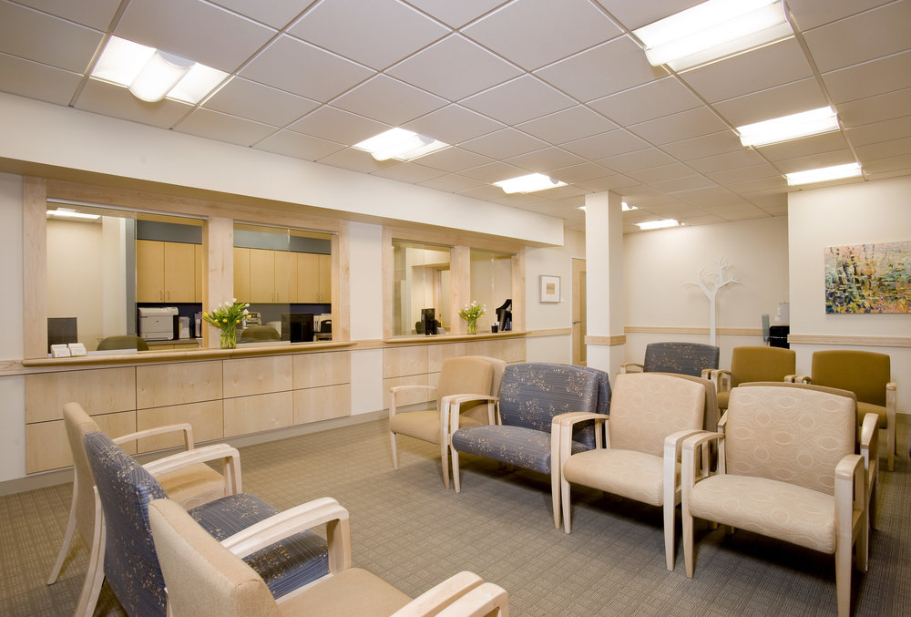 Mount-Auburn-Healthcare-Waiting_Room-HDS-Architecture.jpg
