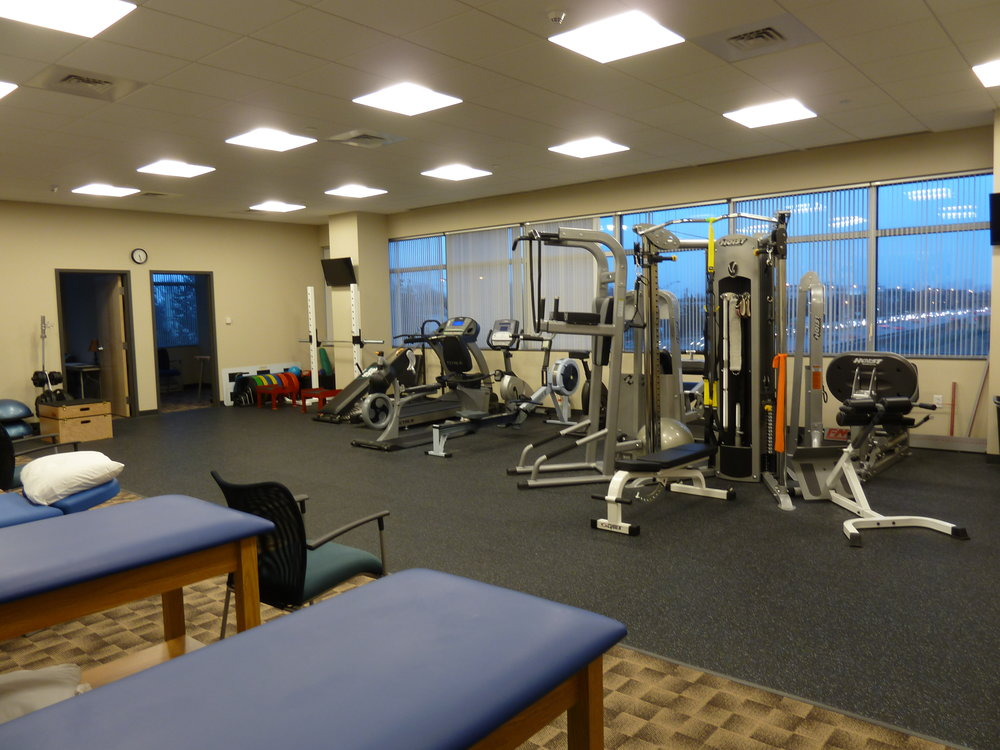 Pro-Sports-Orthopedics-Workout-Room-HDS-Architecture.JPG