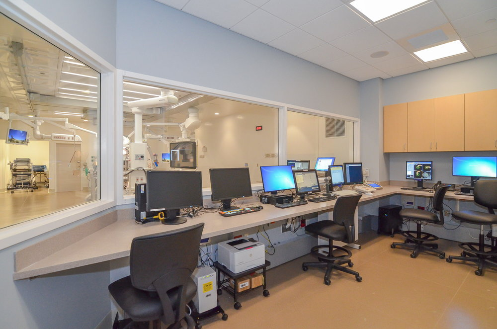 Hybrid-Operating-Room-Control-Room-HDS-Architecture.jpg