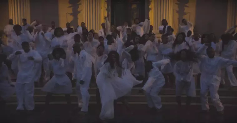 Still from Solange  Don't Touch My Hair  music video.