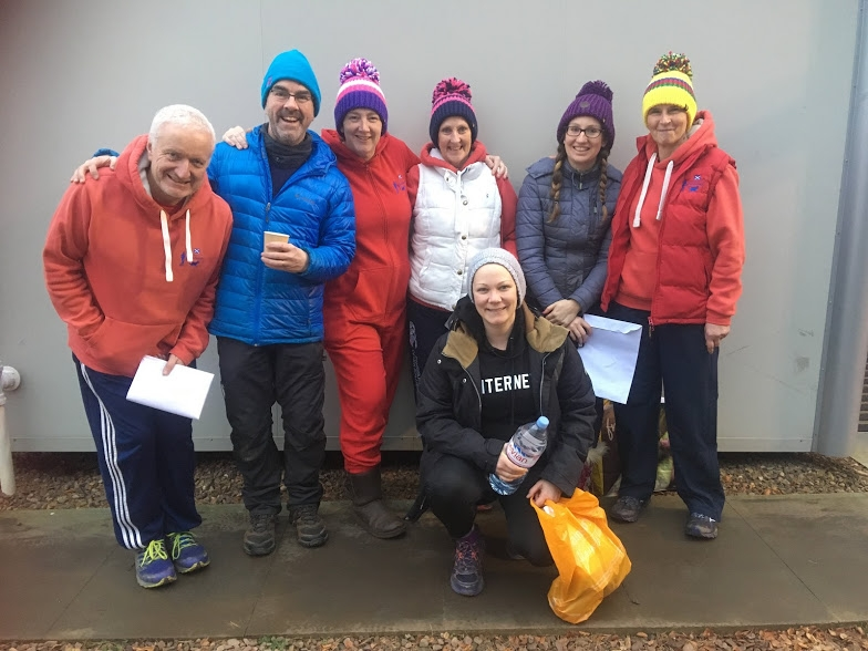 Some of Cani-Sports Edinburgh crew - or is it the Big Bobble Hat crew?  Paul, Neil, Gail, Avril, Jenny, Susan and Leah