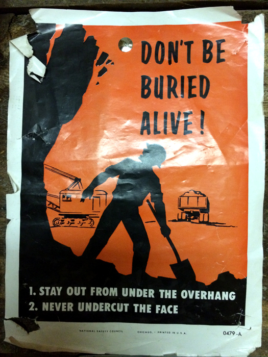 Don't be buried alive-sign-Route 66_adj01-small.jpg