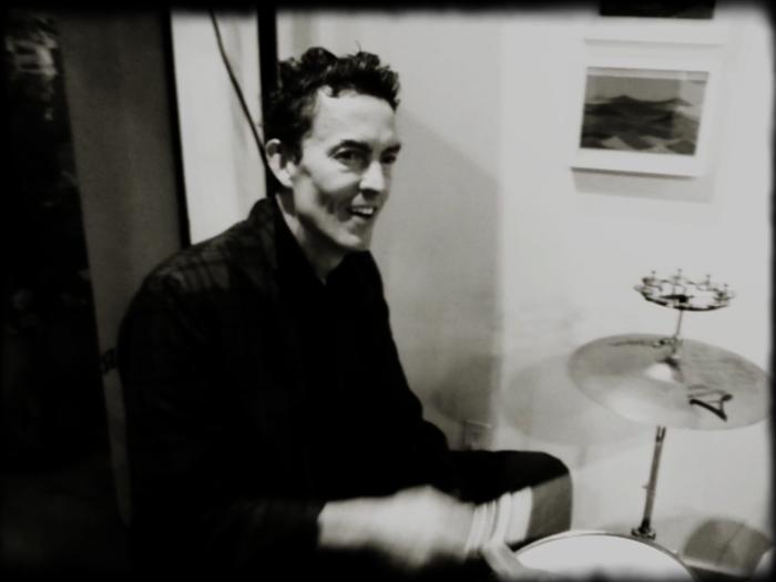 Me-drums-ET party-adj01-sm.jpg