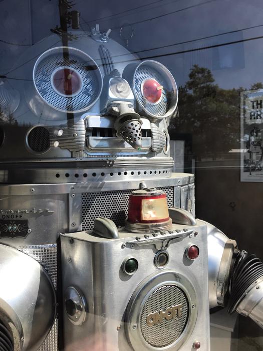 Robot-Clayton Bailey-Crocket_adj01-sm.jpg