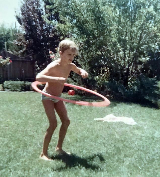 Me-hula hoop_adj01-sm.jpg