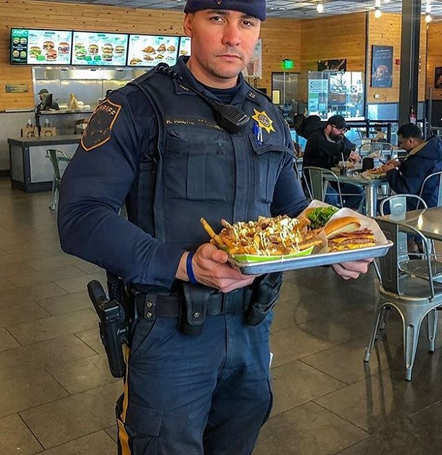It's the weekend, treat yo' self! 🙌 @renatomaure showing off his bad ass lunch as well as the NESSE Long Sleeve Uniform in Navy. Treat yourself to a sharp looking, quality uniform today ! Nesseapparel.com . . . . .  #fitcop #policefitness #protectandserve #backtheblue #bluelinefit #bluelinefamily #police #coplife #lawenforcement #thinblueline #treatyoself
