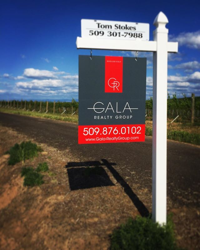 Our sign is up our first property listed with Gala Realty Group!! What a beautiful day to put up a beautiful sign! #galarealtygroup #newbusiness #downtownwallawalla #wallawallarealestate #land