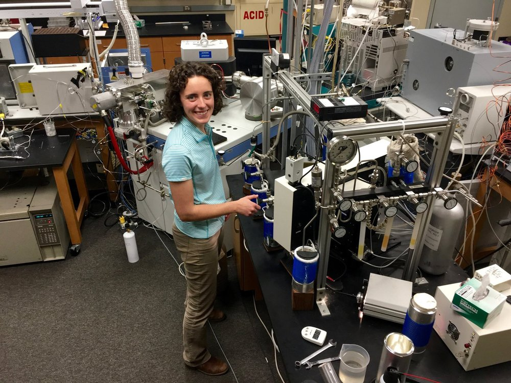Operating the silicate oxygen fluorination extraction line at the University of Texas at Austin.