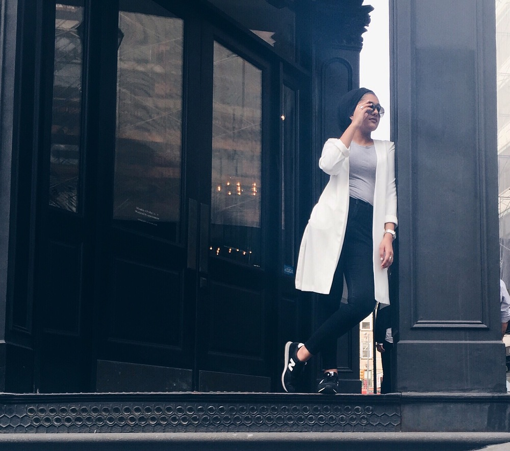 White Blazer - F21  Grey T - Gap  Skinnies - BDG Urban Outfitters  Sunglasses - Ferragamo