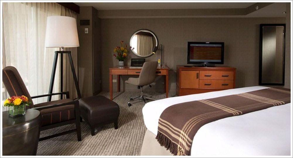 Custom Hotel Room Seating