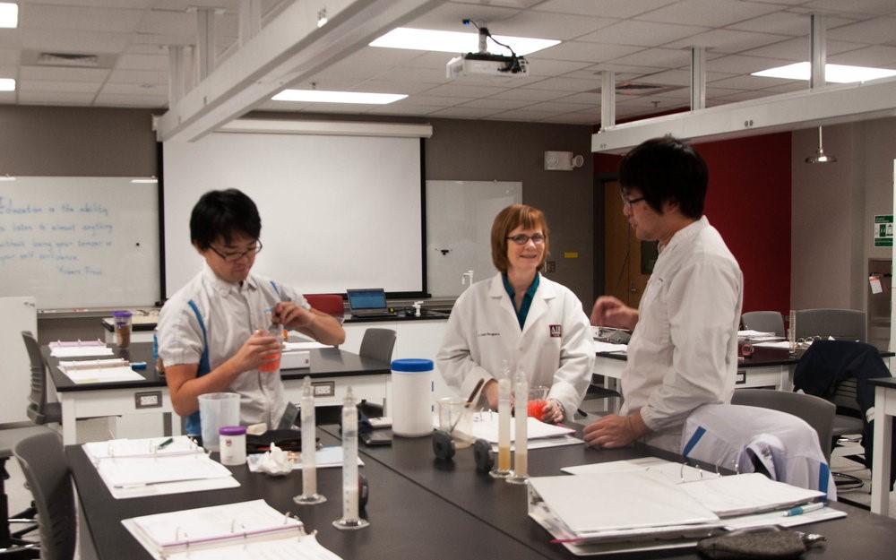En 2015, se reconstruyó todo el Laboratorio de Ciencias (aula y laboratorio de reología).