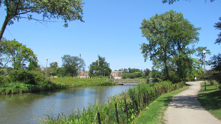 East Humboldt Park Nature Trail