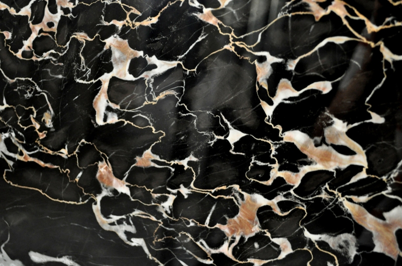 *variation in color, shade, and veining may occur.