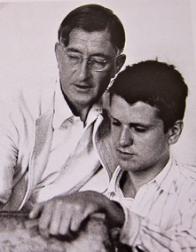 Robert De Niro, Sr., right, studying with Joseph Albers, circa 1939.