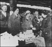 Buying Horseradish. Photo courtesy of Minneapolis Public Library, Minneapolis Collection
