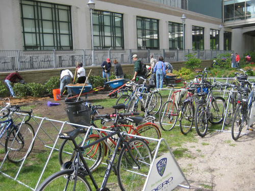 Thanks to Dero Bike Rack Co., there was plenty of bicycle parking for volunteers.