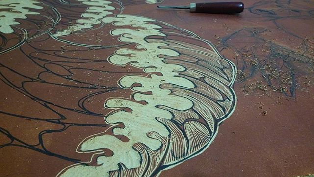 Carving before party~  #woodcut #printmaking #woopwoop