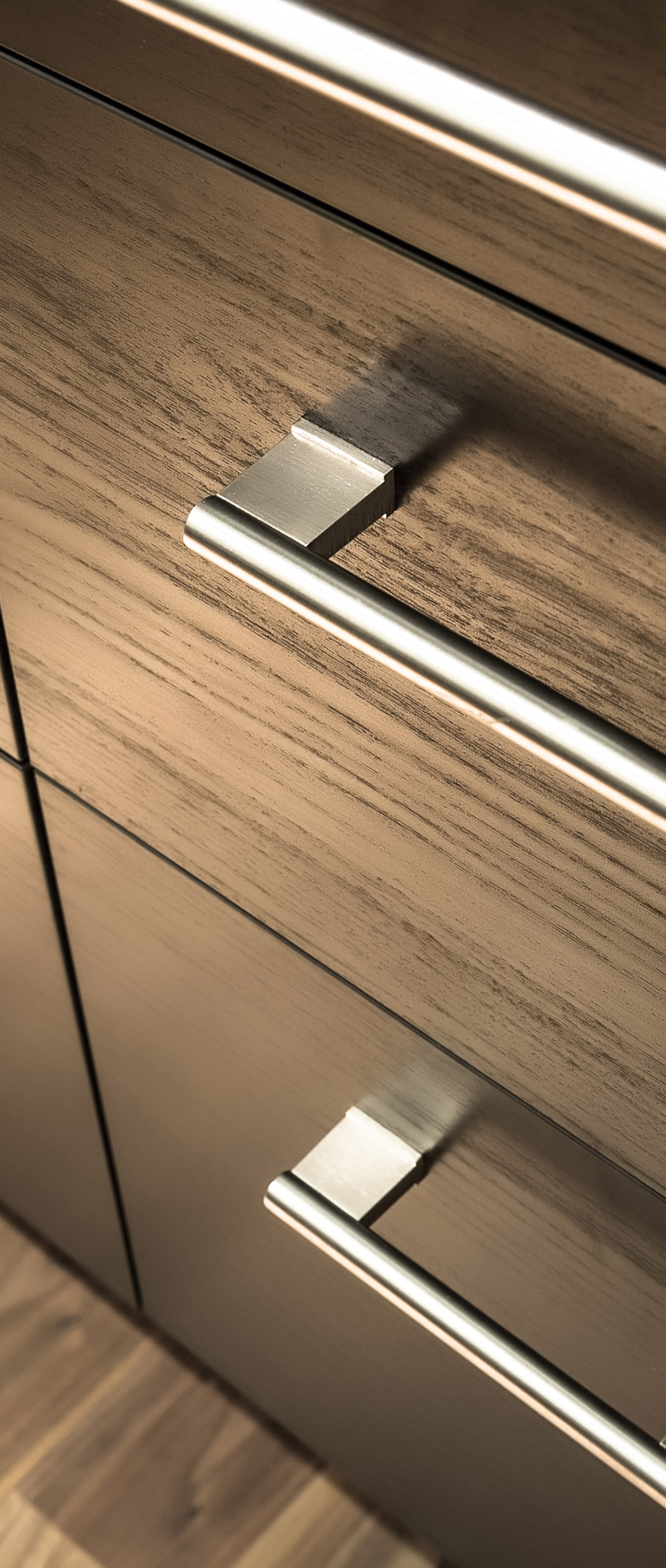 Cabinet Drawer & Handles