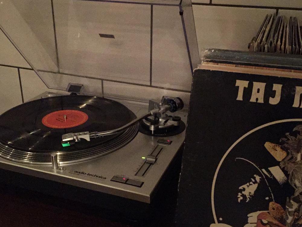 Birdie Record Player | A Look Into