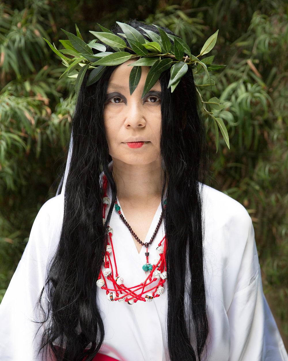 Michiko Yao as Himiko