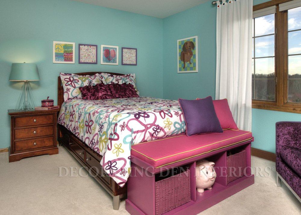 teen-girl-bedroom-white-blue-retro-redlands-california.jpg