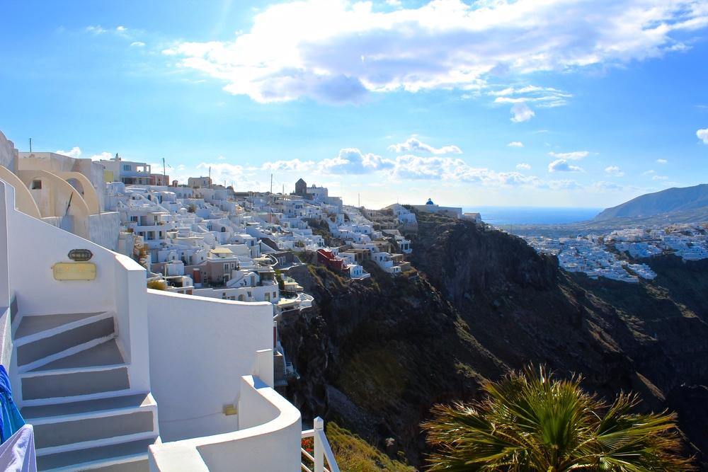 9 am in Santorini