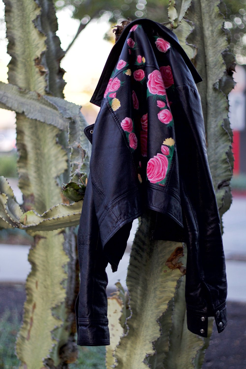 Leather jacket with roses - My Friend Jhanna Truskin Also Known As J Byrd Designs Did Some Amazing Diy Roses On The Back Of My Leather Jacket