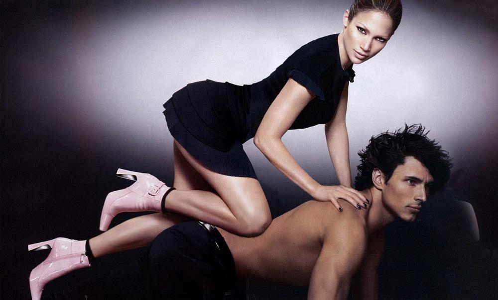Jennifer Lopez, Louis Vuitton Ad (2003)