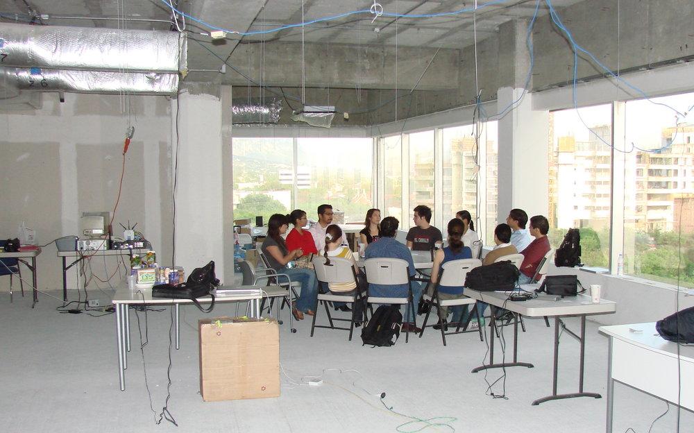 Una de las primeras juntas en IOS, obra gris Torres Campestre en 2007.