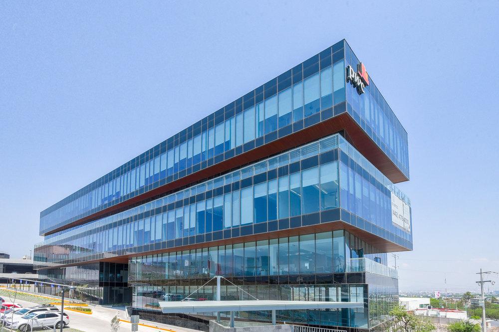 _exterior IOS OFFICES PUNTO SUR.jpg