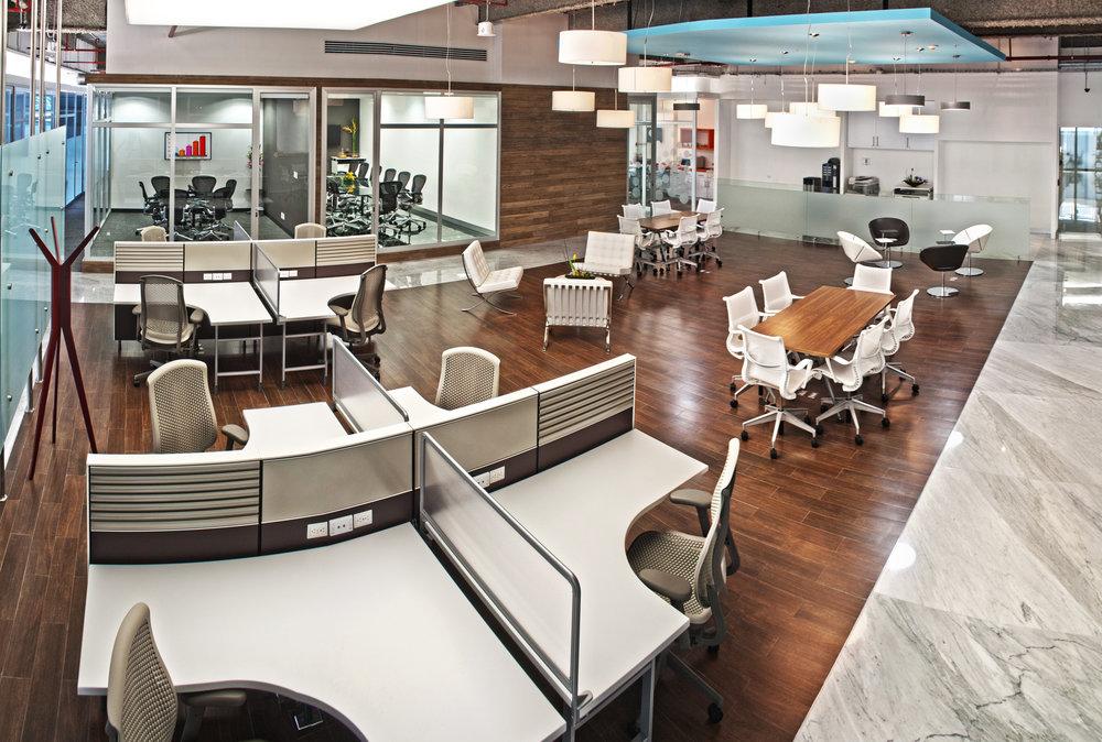 IOS OFFICES SANTA FE BUSINESS LOUNGE 2.jpg