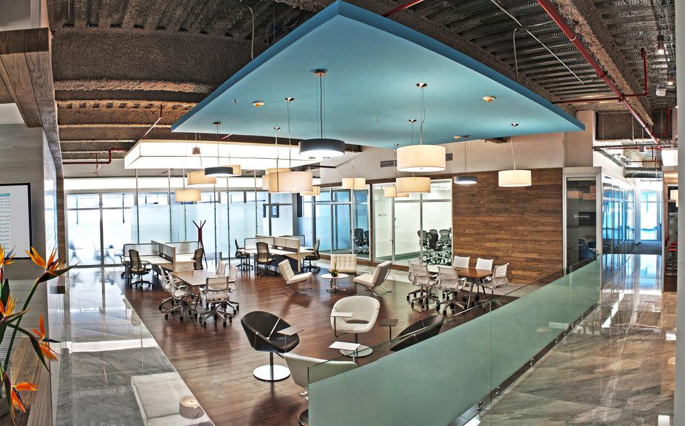 IOS OFFICES SANTA FE BUSINESS LOUNGE 3.jpg