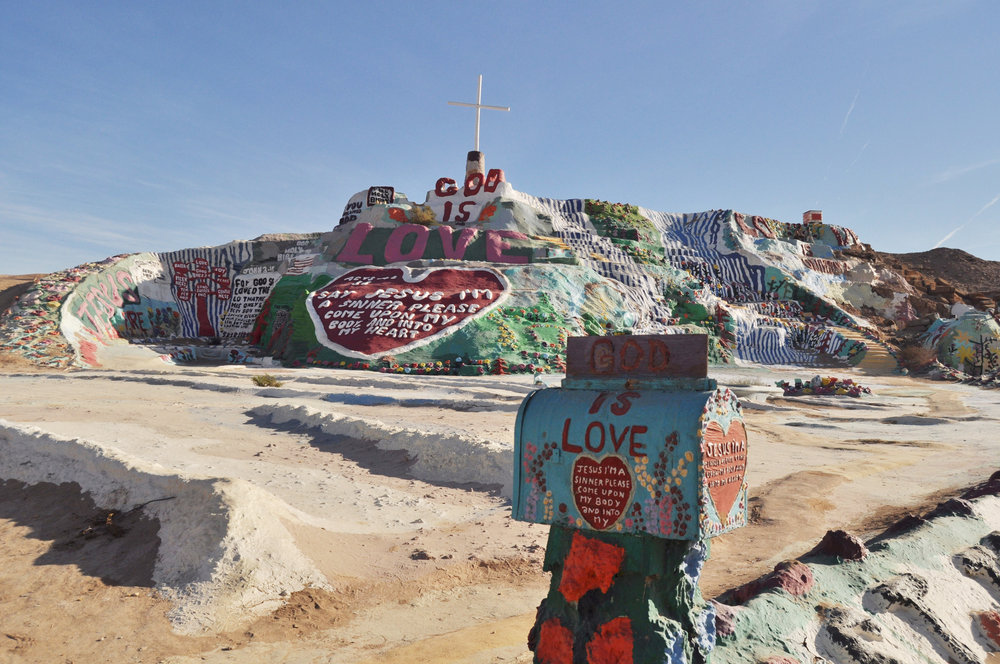 SALVATION MOUNTAIN -