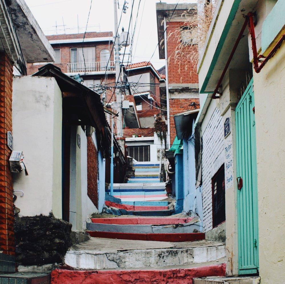 Itaewon Alleys.jpg