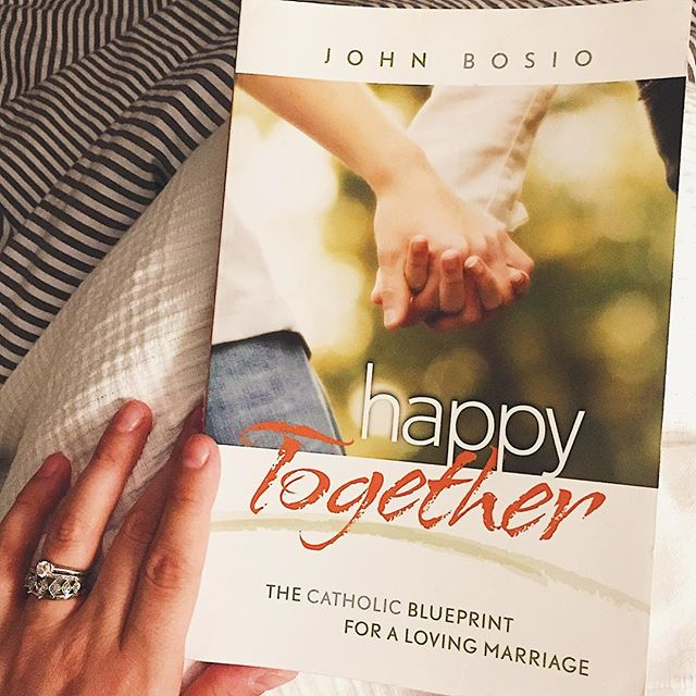 This is an amazing book for married couples regardless of whether or not you're Catholic or if you've been married for 2 days/years/decades! Highly recommend this one for all of my fellow bookworms! 📚