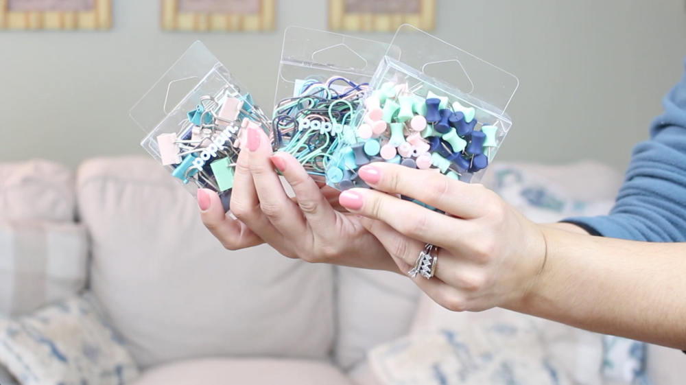 Sparkle Hustle Grow is an online community and subscription box for female entrepreneurs, and they sent me a free box to try out their product! I love watching unboxing videos so I'm sharing mine too so you can see my honest-to-goodness genuine reaction to all the items. Annnd they've me a coupon code for you guys so be sure to get the description box below the video for $5 off! SPARKLE HUSTLE GROW UNBOXING ● Subscription Box Coupon Code ● October 2018