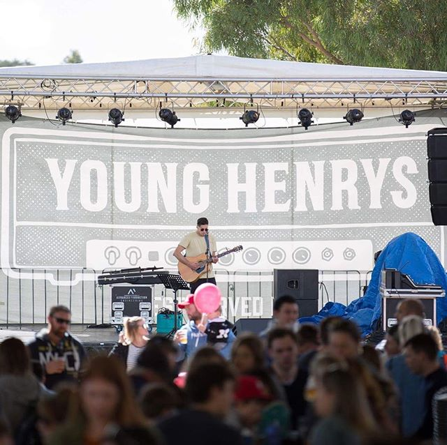 ☀️SUNDAY SESSION☀️ Doors from 1pm Daryl Braithwaite on the @younghenrys Stage - what more could you want? Few tix left on the door - get around it.