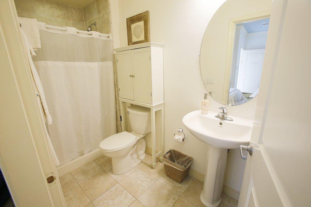 Martinque Bathroom.jpg