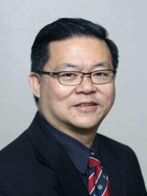 """黃國忠牧師 - 黃國忠牧師自1993年開始成為宣道會的牧師,他是一個生活在極端的人。黃牧師在馬來西亞的熱帶地區出生和成長,但他選擇在加拿大阿爾伯塔省寒冷的冬天接受神學和事工訓練。 他成為牧師的第一個工作是在科羅拉多州丹佛市這個海拔五千呎高的城市牧會。但在2003年,他和他的家人卻離開了這片高原而去到了山谷 – 矽谷,在信實谷宣道會擔任助理牧師。現在作為信實谷宣道會的主任牧師,黃牧師將繼續跟隨神的信實和""""極端""""的引導去愛,並在任何環境中為主堅持。"""
