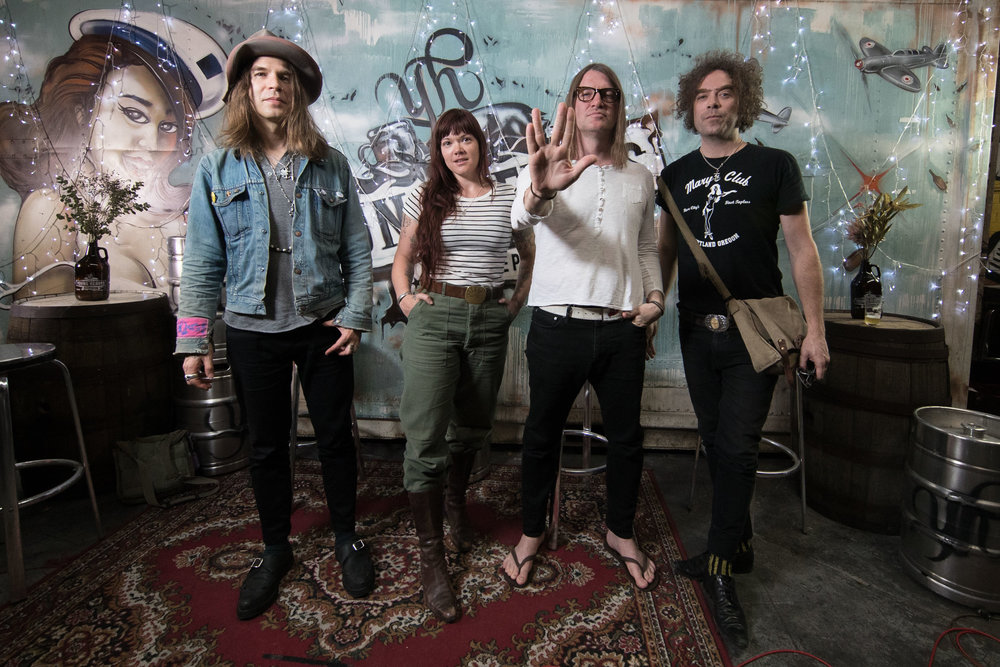 The_Dandy_Warhols_Young_Henrys_1016_Peter_Sharp_32.jpg