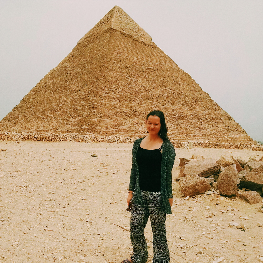 A windy day at Giza.