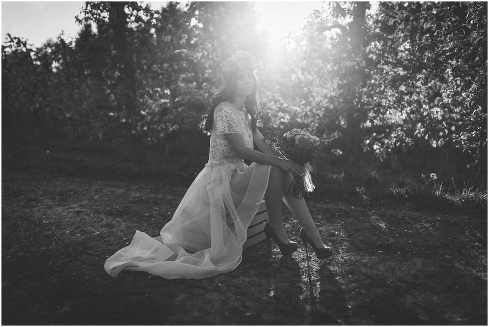 poroka-wedding-inspiration-spring-styled-session-sanjska-obleka-nika-grega-orchard-themed-destionation-photographer-slovenia-poročni-fotograf-slovenija-europe-boho-romantic-vintage 037.jpg