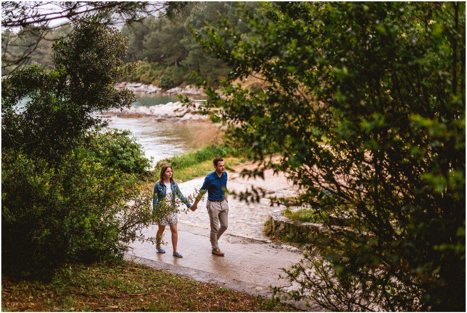 02 poroka porocni fotograf fotografiranje zaroka morje obala predporocno fotografiranje mali losinj (17).jpg