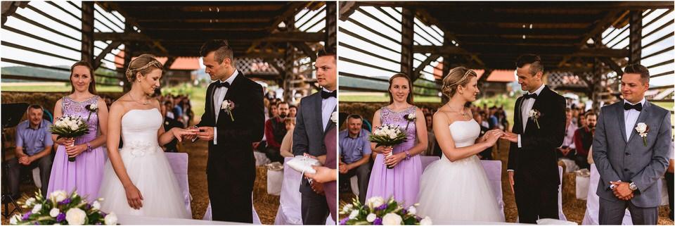 02 poroka dolenjska novo mesto slovenija porocni fotograf fotografiranje nika grega sentrupert dezela kozolcev (18).jpg
