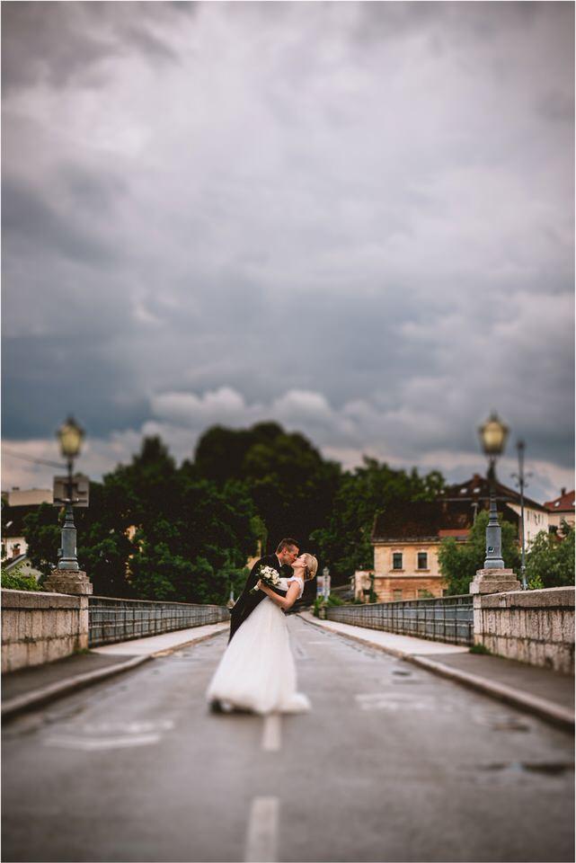 04 rustic barn wedding slovenia kozolec dezela kozolcev poroka zunaj novo mesto sentrupert prepih dolenjska slovenija (7).jpg